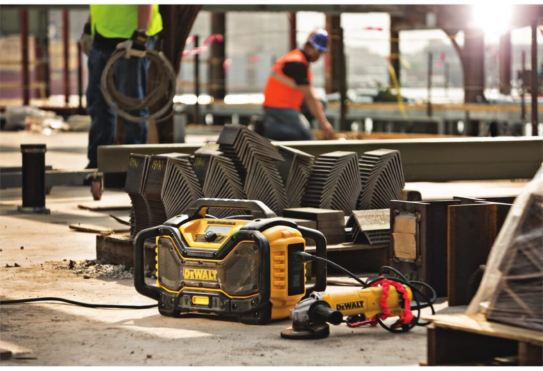 The 10 Best Jobsite Radio for Construction Workers