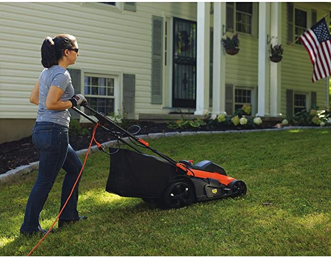 Top 6 Best Lawn Mowers For Small Yards