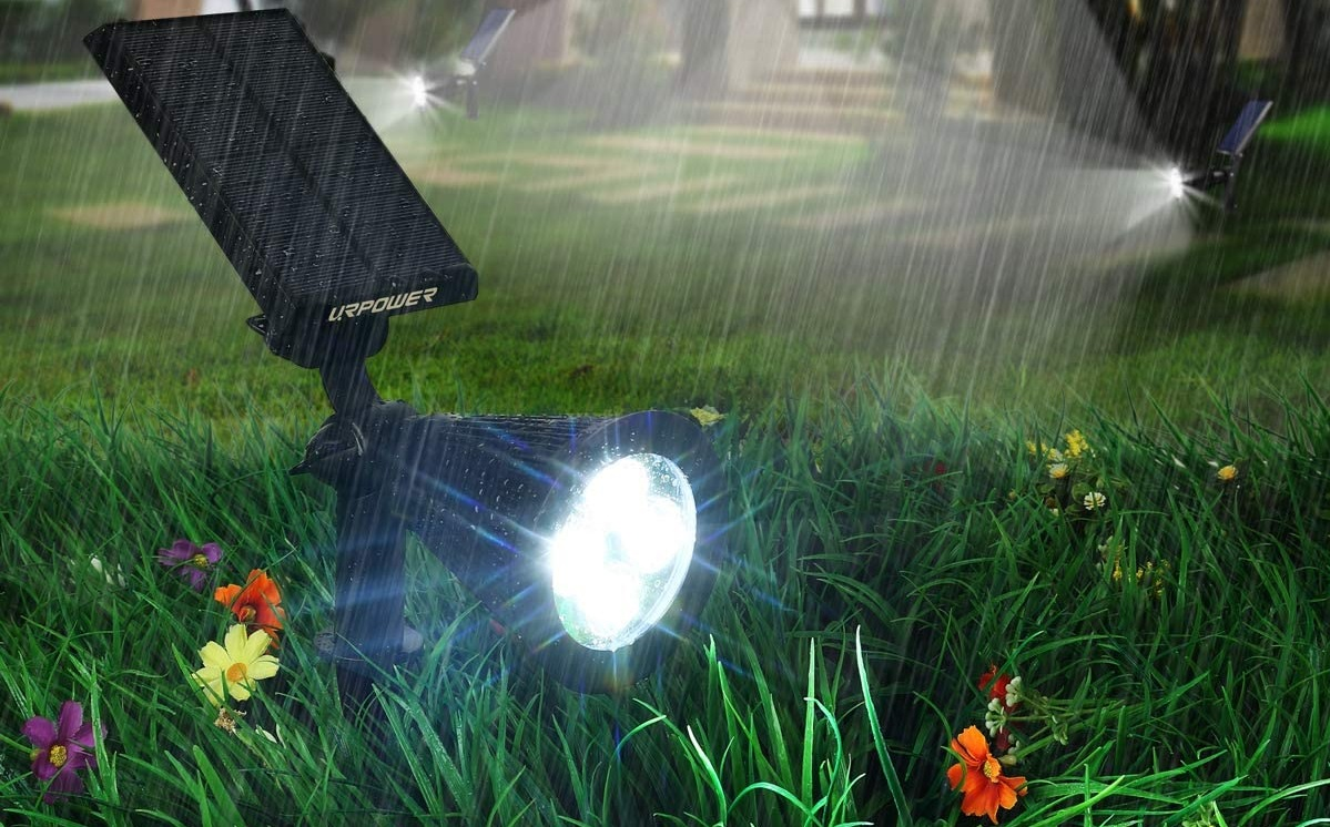Top 10 Best Solar Lights Reviews